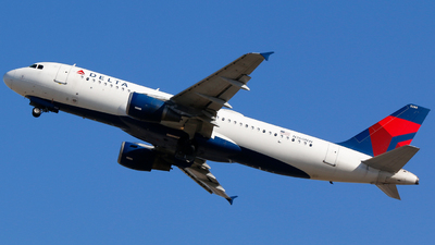 A picture of N360NW - Airbus A320212 - Delta Air Lines - © Alec Mollenhauer