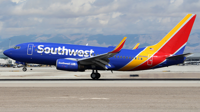 A picture of N944WN - Boeing 7377H4 - Southwest Airlines - © Huy Do