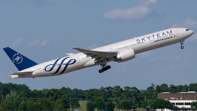 F-GZNE - Boeing 777-328ER - Air France