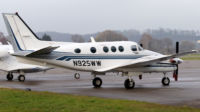 N925WW - Beechcraft C90B King Air - Private