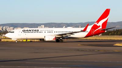 VH-VYZ - Boeing 737-838 - Qantas