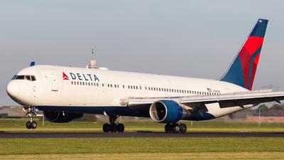 N189DN - Boeing 767-332(ER) - Delta Air Lines