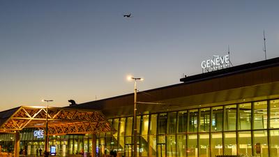 LSGG - Airport - Terminal
