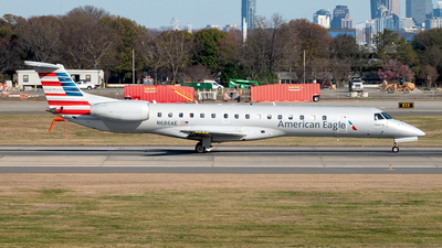 A picture of N686AE - Embraer ERJ145LR - American Airlines - © Yan777
