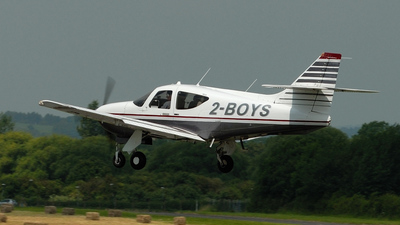 2-BOYS - Rockwell Commander 114B - Private