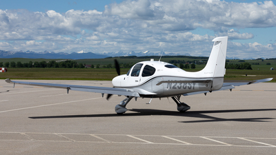 A picture of N238SY - Cirrus SR22T - [1752] - © Mike MacKinnon