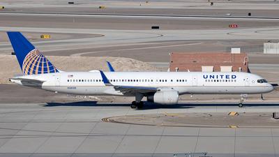 N33132 - Boeing 757-224 - United Airlines