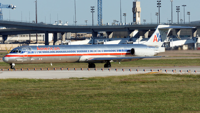 N454AA - McDonnell Douglas MD-82 - American Airlines