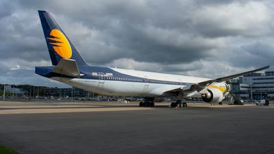 N377CL - Boeing 777-35RER - Jet Airways