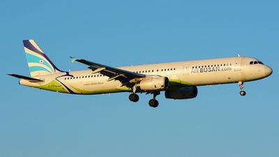 HL7761 - Airbus A321-131 - Air Busan