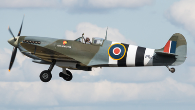 G-BRSF - Supermarine Spitfire Mk.IX - Private