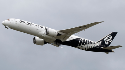 A picture of ZKNZN - Boeing 7879 Dreamliner - Air New Zealand - © Daniel Benefield