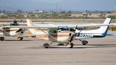A picture of N13806 - Cessna 172M Skyhawk - [17263010] - © Jeremy D. Dando