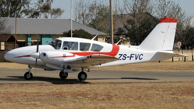 ZS-FVC - Piper PA-23-250 Aztec - Private