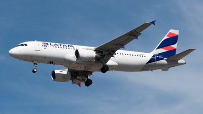 A picture of PRMYV - Airbus A320214 - LATAM Airlines - © Renato Oliveira