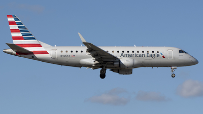 N405YX - Embraer 170-200LR - American Eagle (Republic Airways)