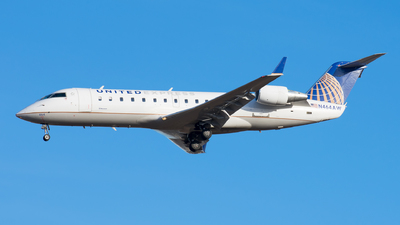 N464AW - Bombardier CRJ-200ER - United Express (Air Wisconsin)