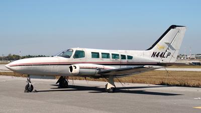 A picture of N44LP - Cessna 402C - [402C0323] - © Erlend Karlsen