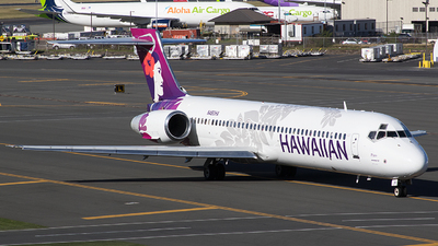 A picture of N480HA - Boeing 71722A - Hawaiian Airlines - © BennyH