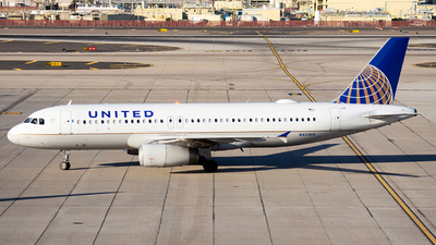 A picture of N424UA - Airbus A320232 - United Airlines - © Alexander Owen