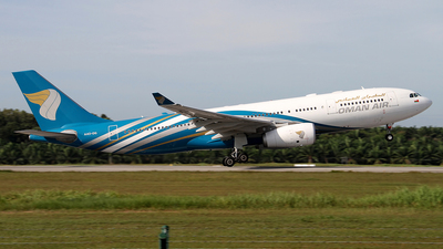 A picture of A4ODG - Airbus A330243 - Oman Air - © waiping