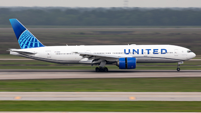 A picture of N79011 - Boeing 777224(ER) - United Airlines - © GFB