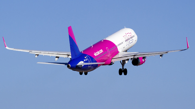 A picture of HALXJ - Airbus A321231 - Wizz Air - © Mattia De Bon