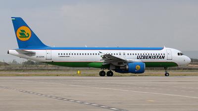 UK32014 - Airbus A320-214 - Uzbekistan Airways