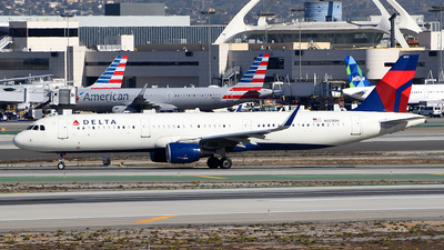 A picture of N321DH - Airbus A321211 - Delta Air Lines - © Rocky Wang