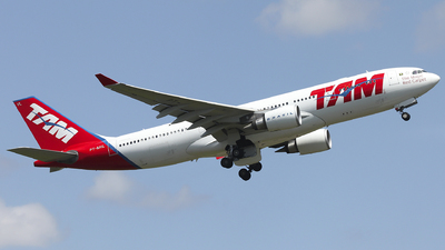 PT-MVL - Airbus A330-203 - TAM Linhas Aéreas