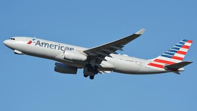 N279AY - Airbus A330-243 - American Airlines