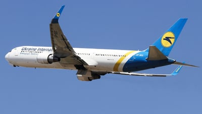 UR-GED - Boeing 767-33A(ER) - Ukraine International Airlines