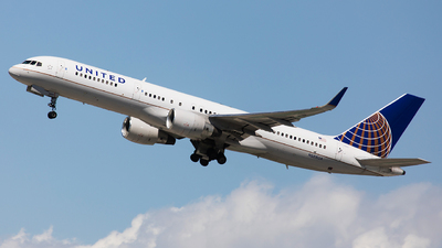 A picture of N588UA - Boeing 757222 - United Airlines - © John Richard