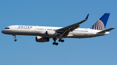 N14106 - Boeing 757-224 - United Airlines