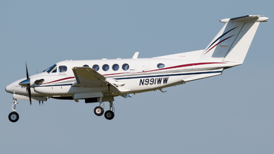 A picture of N991WW - Beech B200 Super King Air - [BB1158] - © Positive Rate Photography