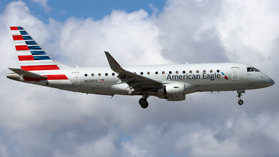 A picture of N430YX - Embraer E175LR - American Airlines - © Xiamen Air 849 Heavy
