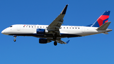 A picture of N299SY - Embraer E175LL - Delta Air Lines - © Diego Mancilla.