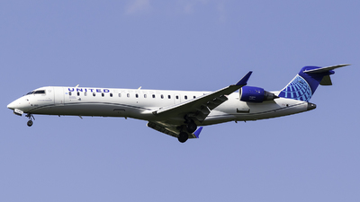 A picture of N553GJ - Mitsubishi CRJ550 - United Airlines - © Evan Dougherty