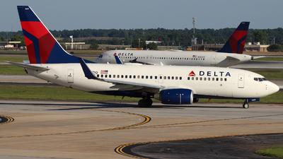 N301DQ - Boeing 737-732 - Delta Air Lines
