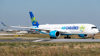 A picture of FHTRE - Airbus A350941 - Air Caraibes - © Gilles Ferne