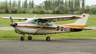 D-EVIU - Cessna TR182 Turbo Skylane RG II - Private
