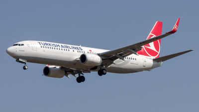 A picture of TCJVV - Boeing 7378F2 - Turkish Airlines - © Peter Tolnai