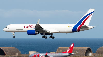 EC-NIV - Boeing 757-223(SF) - Swiftair