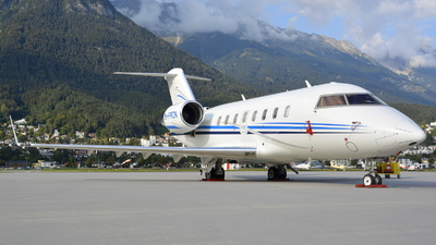 M-FRZN - Bombardier CL-600-2B16 Challenger 605 - Private