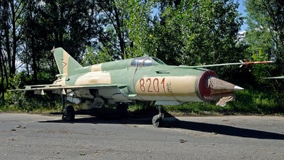 8201 - Mikoyan-Gurevich MiG-21MF Fishbed J - Hungary - Air Force
