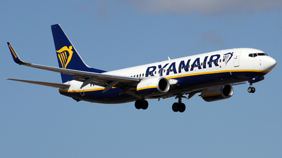A picture of EIGSK - Boeing 7378AS - Ryanair - © Alfonso Solis