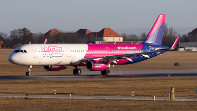 G-WUKI - Airbus A321-231 - Wizz Air UK