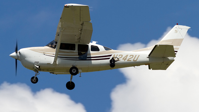 N242U - Cessna 206H Stationair - Silver Creek Aviation Services