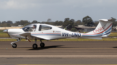 VH-UNQ - Diamond DA-40 Diamond Star - University of New South Wales