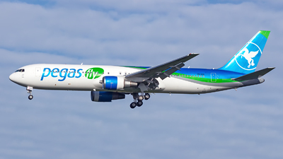 A picture of VQBOG - Boeing 767341(ER) - [30342] - © Jun You